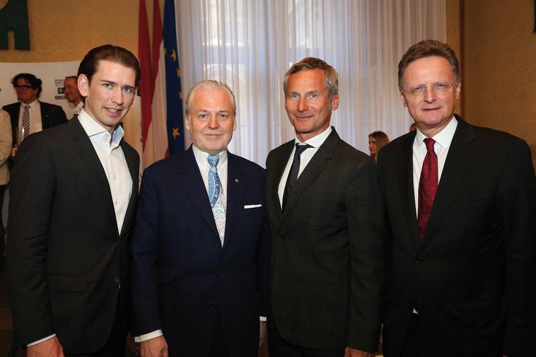 Sebastian Kurz (Bundesminister für Europa, Integration und Äußeres), Wolfgang Rosam (Falstaff Herausgeber), Dr. Alfred Hudler (Gen.-Dir. Vöslauer), Hermann Gmeiner-Wagner