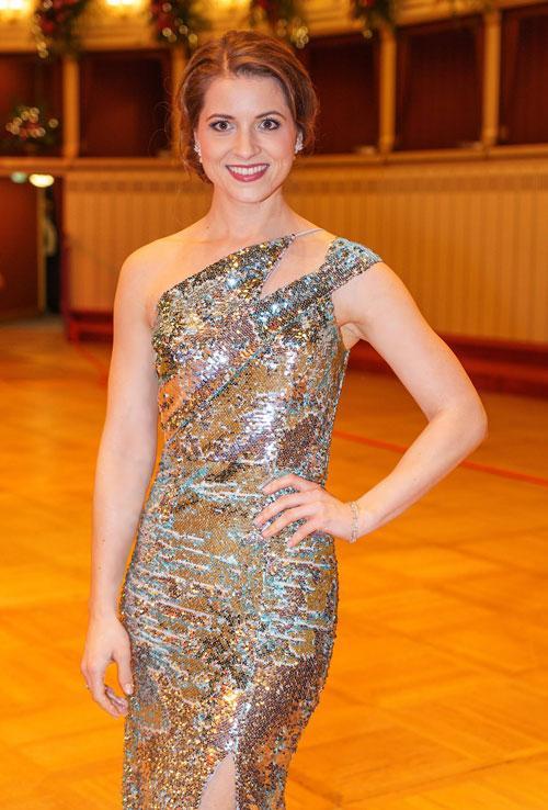 Christina Inhof trägt Wagner Juwelen am Opernball 2020