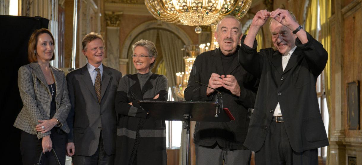 Ehrenring des Wiener Burgtheaters für Claus Peymann